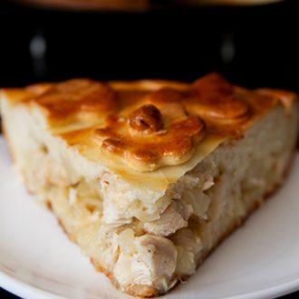 Пирог с курицей и ананасами