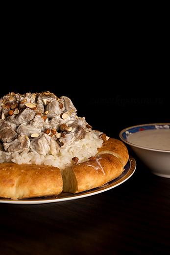 Мансаф - тушеная в сметане баранина с рисом