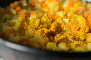 Сырный суп с курицей и овощами