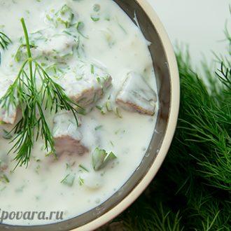 Холодный суп с хлебом и мацони