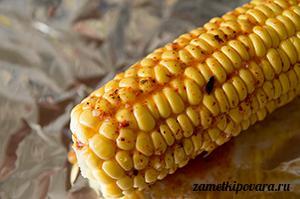 Кукуруза, запеченная в фольге с ароматным маслом
