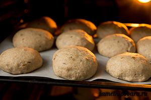 Цельнозерновые булочки с семечками
