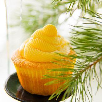 Ванильные капкейки с лимонным курдом и кремом-чиз