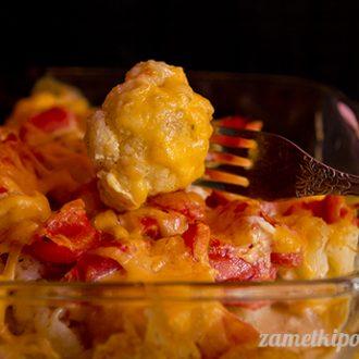 Запеканка из цветной капусты с картофелем и помидорами