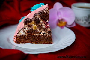 Торт с фруктами и кремом Пломбир