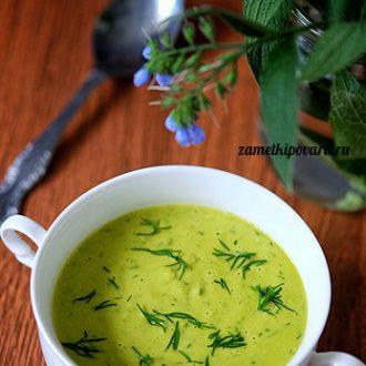 Крем-суп из зеленого горошка с кокосовым молоком