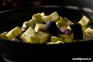 Цельнозерновая галета с баклажанами и помидорами