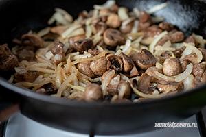 Салат с грибами, сыром и фасолью