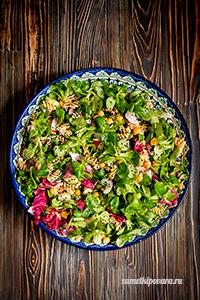 Салат из пасты, нута и овощей