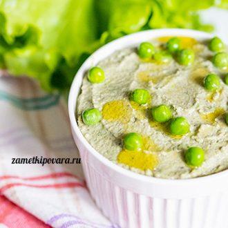 Хумус из нута и зеленого горошка
