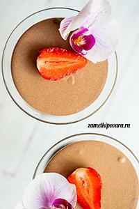 Творожный десерт с клубникой