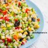 Рисовый салат с кукурузой и зеленым горошком